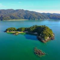 Aerial view of Fisherman's Island in Abel Tasman National Park | abeltasman.com